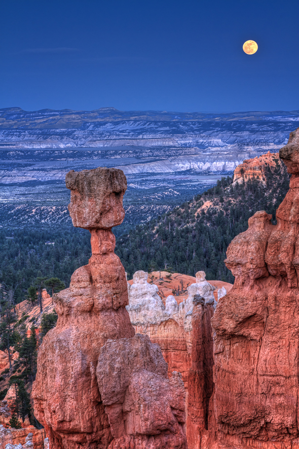 Supermoon at Bryce Canyon National Park, Utah